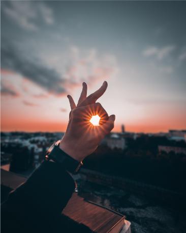 hand sun Blog